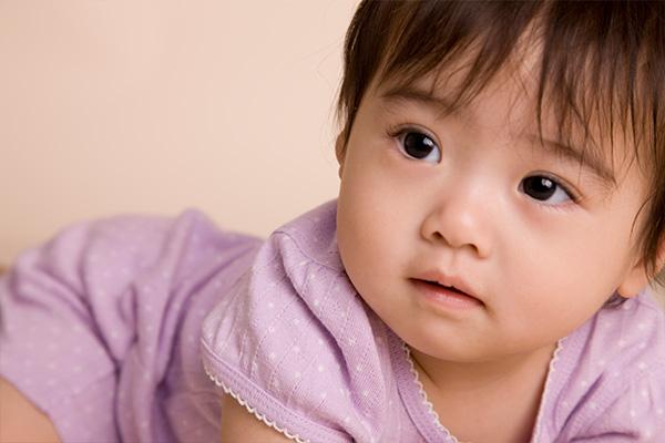 赤ちゃんのお口の健康はパパ・ママのお口の健康から始まります